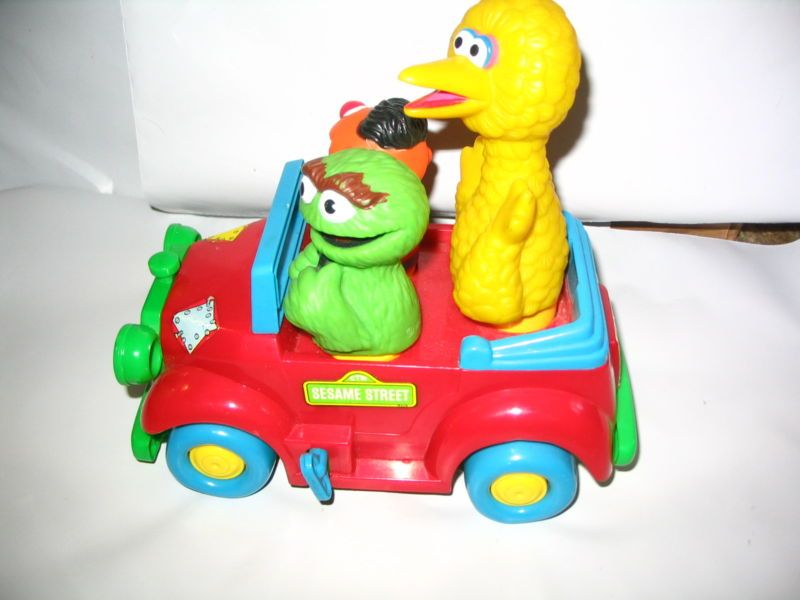 WIND UP SESAME STREET OSCAR ERNIE BIG BIRD JALOPY CAR